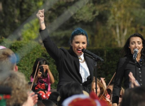 Demi Lovato Performs On 'The View'