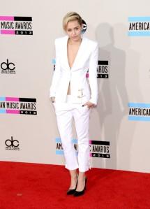Miley AMA 5