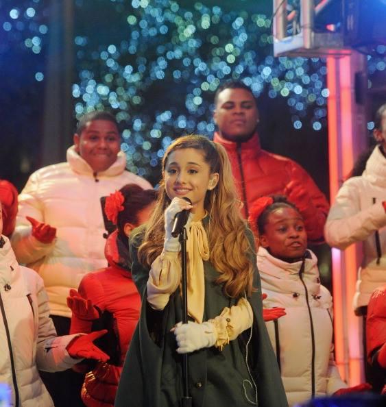 Rockefeller Center Christmas Tree 2013: Ariana Grande Films Rockefeller Center Christmas Tree