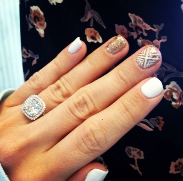 ashley tisdale shows off her stylish new years nails ashleytisdale teeninfonet ashley tisdale shows off her stylish