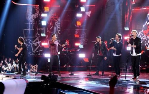 """One Direction, """"Midnight Memories"""" Performance on 'X Factor' USA"""