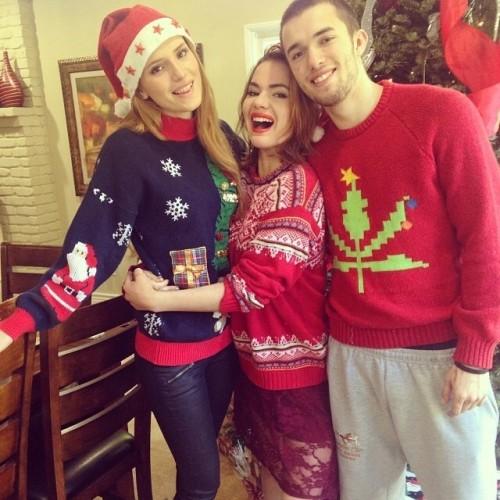 Bella Thorne Christmas 2