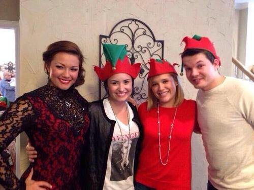 See The Pics!! Demi Lovato Celebrates Christmas With Her Family ...