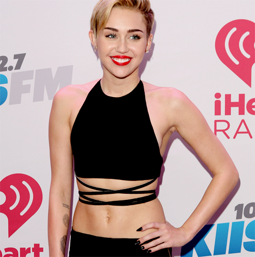 Miley Cyrus, 102.7 KIIS FM's Jingle Ball 2013 Red Carpet