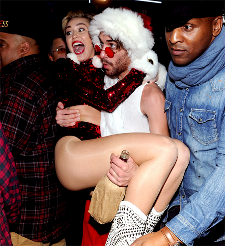 Miley Cyrus, Z100's Jingle Ball 2013 - Backstage