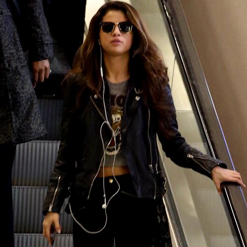 Selena Gomez arrives at Las Vegas airport