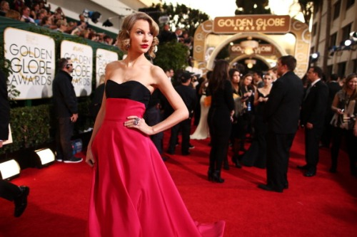 Taylor Swift, 71st Annual Golden Globe Awards - Red Carpet