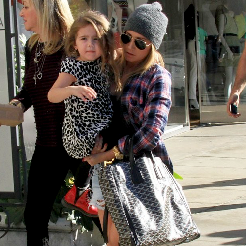 e3427e5b4fc8 Today was certainly a family affair for Ashley Tisdale! After grabbing lunch  with her mom Lisa and niece — sister Jennifer s 3 year-old daughter —  Mikayla ...