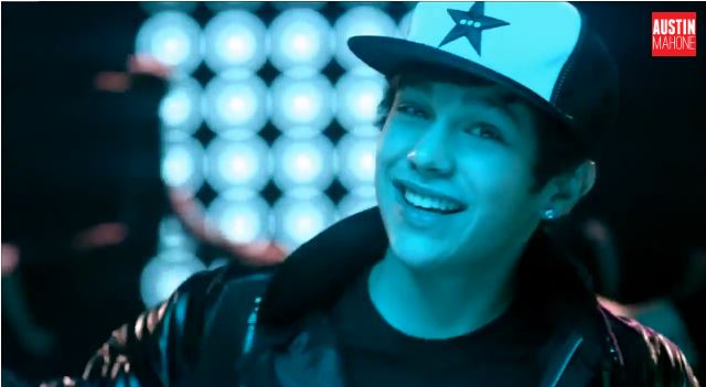Austin Mahone – Mmm Yeah ft. Pitbull