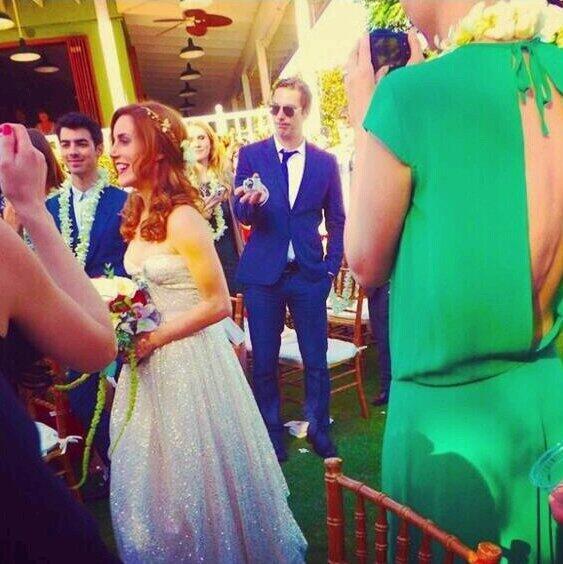Joe Jonas Wedding: Joe Jonas + Blanda Eggenschwiler Have Fun In Hawaii For