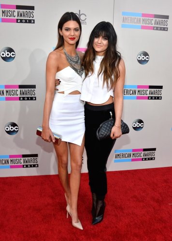 Kendall-Kylie-Jenner-American-Music-Awards-2013