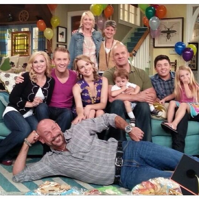 good luck charlie goodbye charlie series finale party. Black Bedroom Furniture Sets. Home Design Ideas