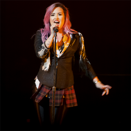 Demi Lovato - Neon Lights Tour - San Jose, CA - Stage