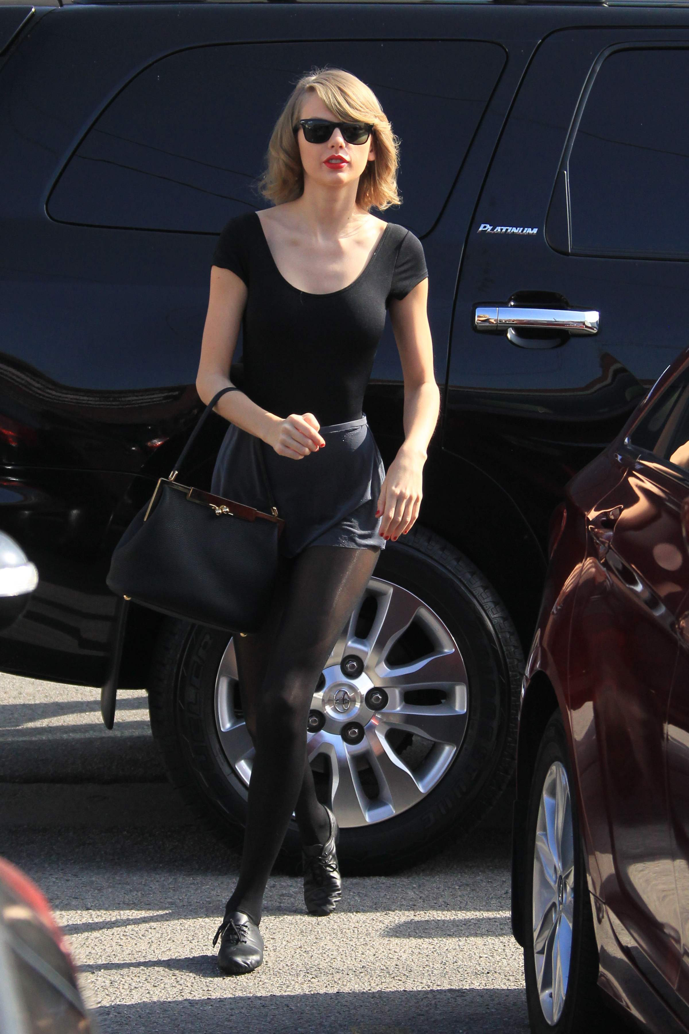 Taylor Swift Dancing Queen See Her Latest Leotard