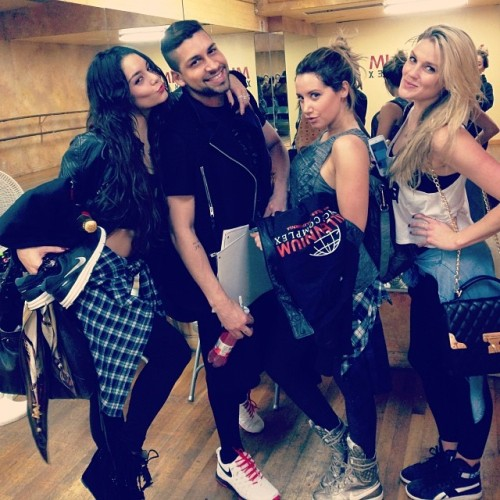 Vanessa Hudgens, Jeri Slaughter, Ashley Tisdale, and Laura New