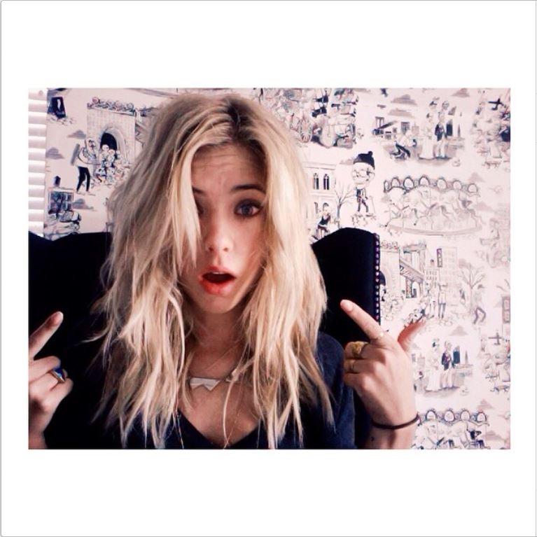 Pretty Little Liars Ashley Benson Gets Blonde Hair Extensions