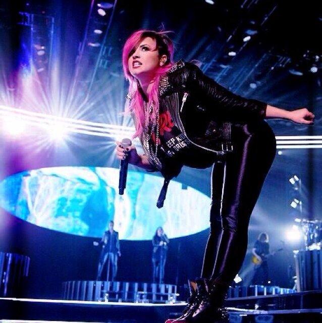 Demi Lovato Tour  St Louis