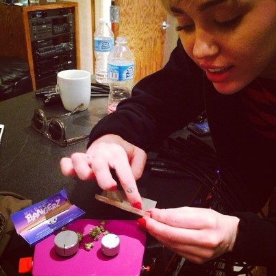 @waynewontpostpicsofnakedwomen: Yup...... Recordin with Miley... High as f*ck.... #flaminglips #theflaminglips #tulsa #lovemoneyparty