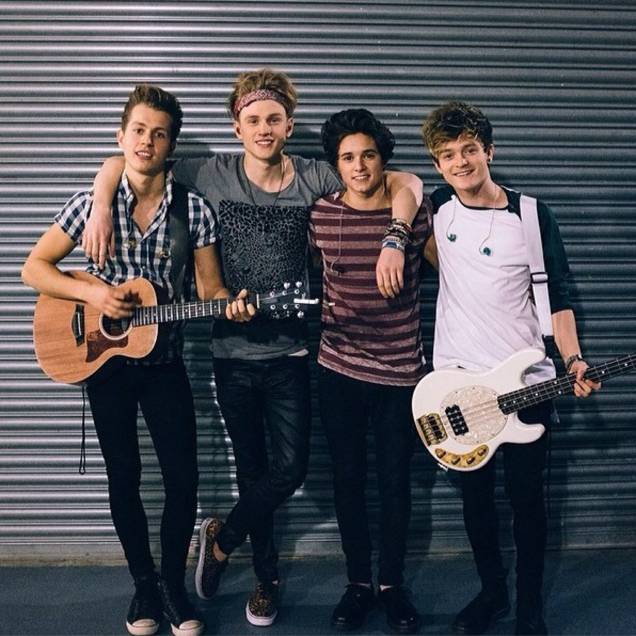 The Vamps Send In Your Selfies For A Surprise Friday Teeninfonet
