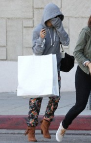 Vanessa Hudgens hides her face while leaving Nine Zero One Salon ***NO DAILY MAIL SALES***