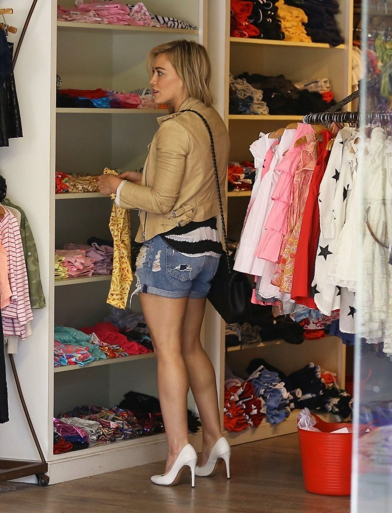 Leather Stripes Shorts Heels Check Out Hilary Duff