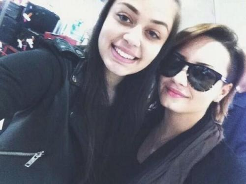 Demi Heathrow 2