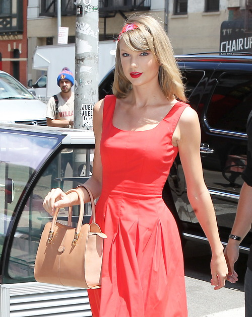 Taylor Swift Is Looking Hot In Red Dress In Nyc See The