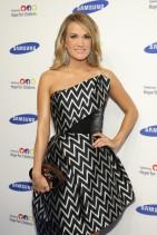 Carrie+Underwood+Arrivals+Samsung+Hope+Children+qYm8EXssIs5l