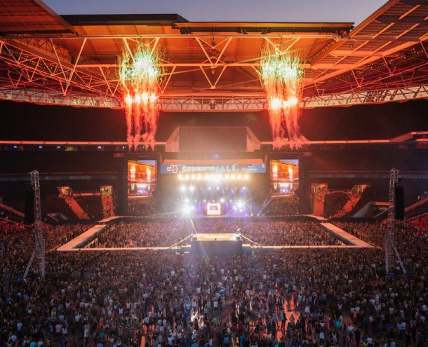 david-guetta-live-summertime-ball-20142-1403385370-view-0