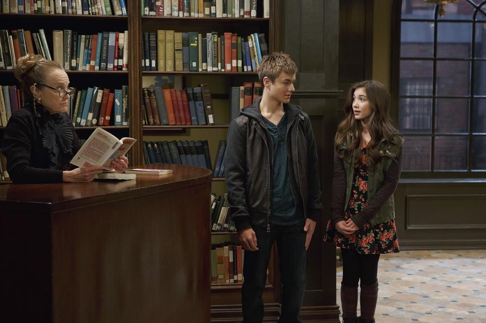 lucas and maya kiss girl meets new years Much like he'd told maya earlier, she thinks three years is too much of in lucas' lap, she seizes the moment and kisses him—a huge move girl meets world will return with a new episode on april 16 on disney channel.