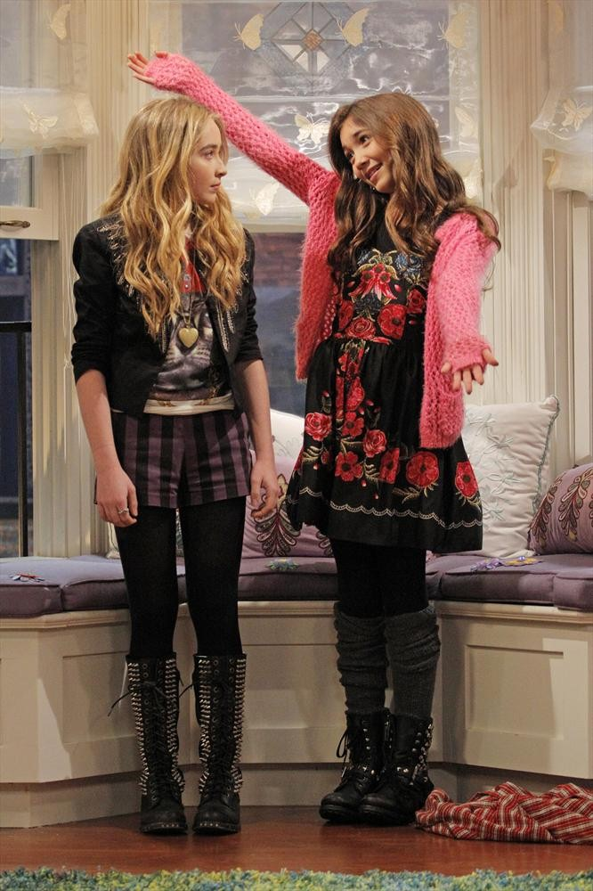 the new episode of girl meets world clothes