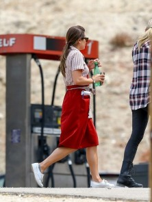 Lea+Michele+on+set+S0UTxWhaM3Cl