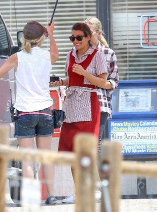 Lea+Michele+on+set+tIXxoxliSbYl