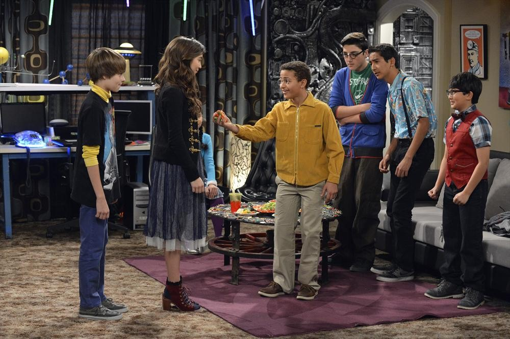 girl meets world geek On the aug 8 episode of girl meets world the first party of the year is always a geek and topanga went back to that girl when faced with a moral.