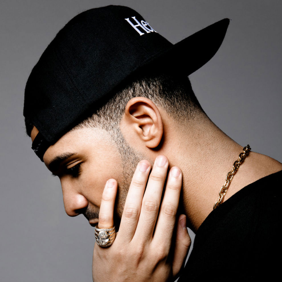 Drake takes home best hip hop video award at the mtv vmas for Thedrake