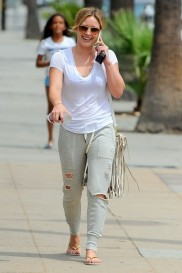 Hilary+Duff+Out+West+Hollywood+5f7dshiyzYnl