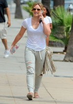 Hilary+Duff+Out+West+Hollywood+9pcR61lINlVl