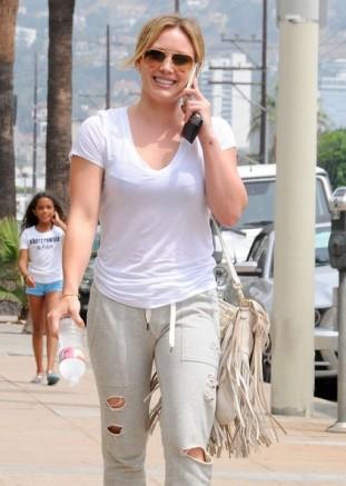 Hilary+Duff+Out+West+Hollywood+PPaMFXIaD5rl
