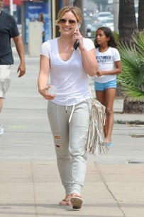 Hilary+Duff+Out+West+Hollywood+tiNzTMrzhAol