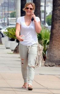 Hilary+Duff+Out+West+Hollywood+zDEU9_8OMCjl