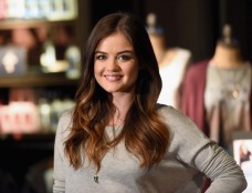 Lucy+Hale+Lucy+Hale+Launches+Collection+Hollister+0Hb00-VKNpNl
