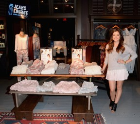 Lucy+Hale+Lucy+Hale+Launches+Collection+Hollister+5V6tBWdHvNll