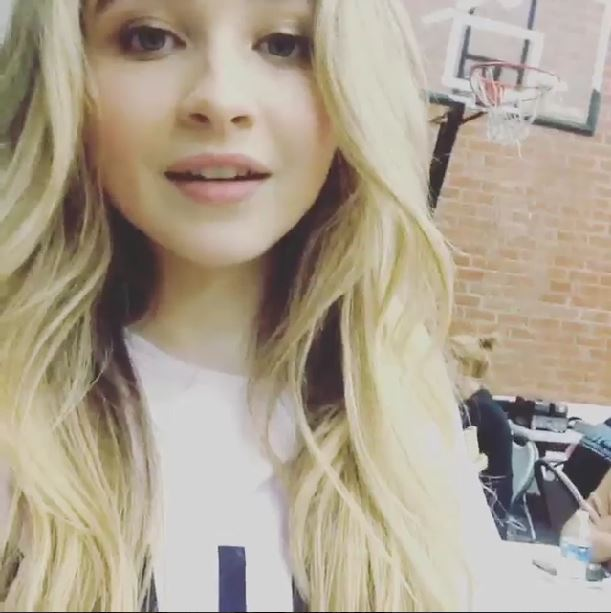 TeenInfoNet® — Sabrina Carpenter Is Filming Something ...