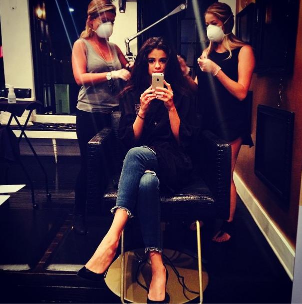 Selena gomez heads to nine zero one salon teeninfonet for 2 the nines salon