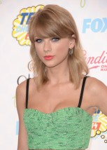 Taylor+Swift+Teen+Choice+Awards+2014+Arrivals+8ZqA6F0P2bgl