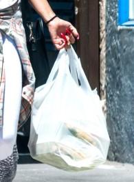 Vanessa+Hudgens+Vanessa+Hudgens+Grabs+Lunch+wGu3k5q4S9yl