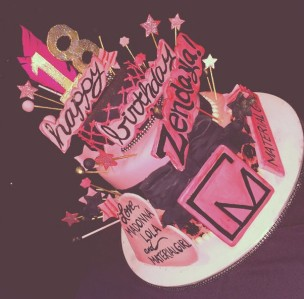 zendaya-birthday-cake-aug-29-2014-1