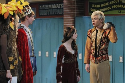 CALUM WORTHY, LAURA MARANO, ROSS LYNCH
