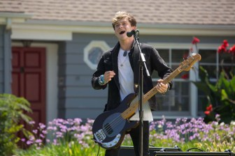 Connor-Ball-singing-The-Vamps