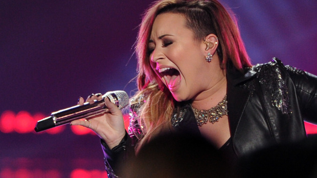 win meet and greet passes demi lovato 2014